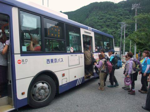 御岳山バスの混雑状況