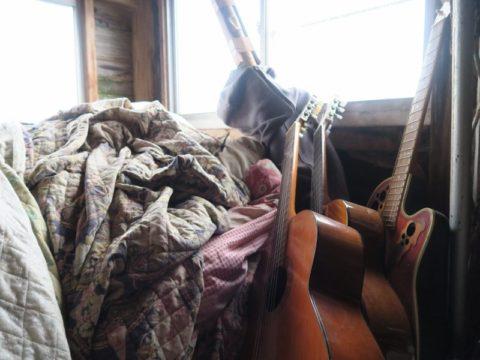 鍋割山荘ギター