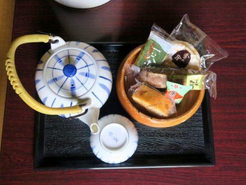 なべいわ荘お茶菓子