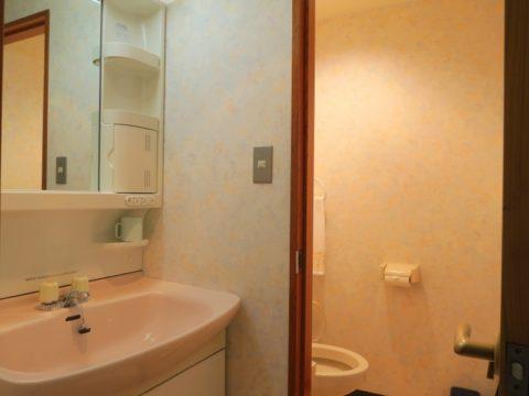 最御崎寺へんろセンター部屋 洗面所とトイレ