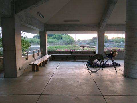 亀鶴公園東屋野宿