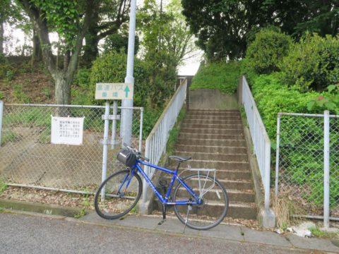 三島川之江インター高速バス停下