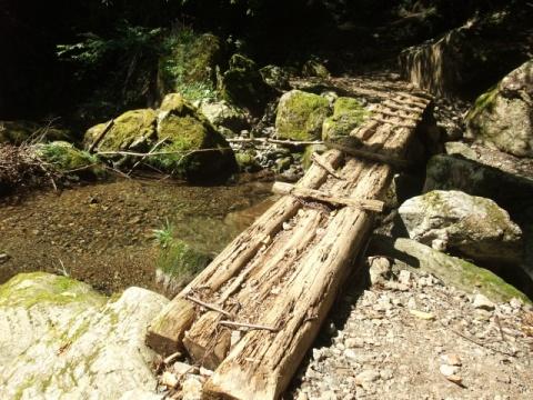両神山木橋
