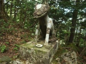両神神社奥社オオカミ