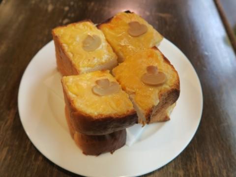 ティールーム花ツナ入りチーズトースト