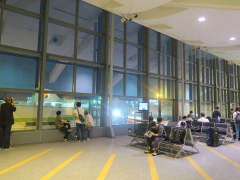 東京港フェリーターミナル3階待合ロビー