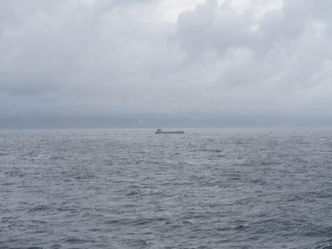 フェリーりつりん展望デッキ 貨物船